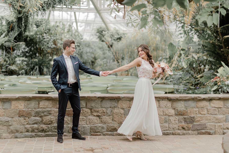 Lovely couple in the botanic garden