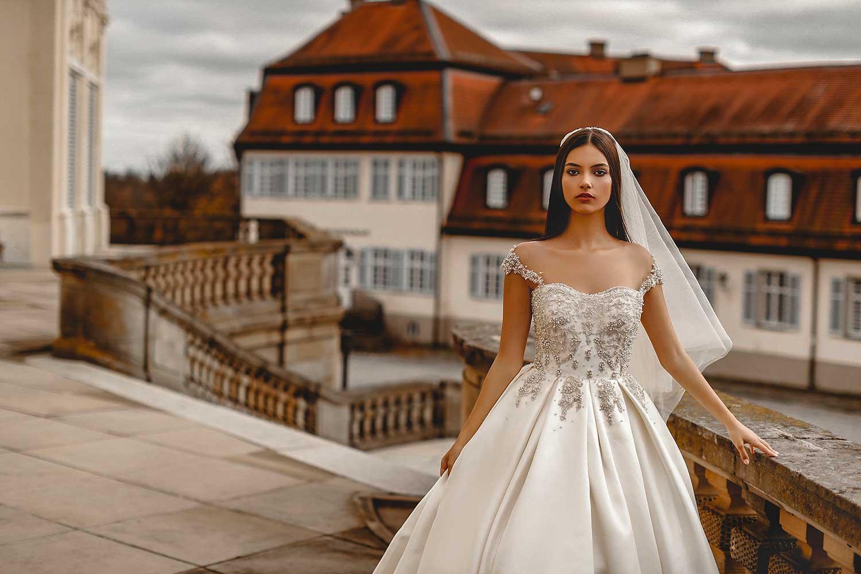 Artistic bridal editorial photoshoot