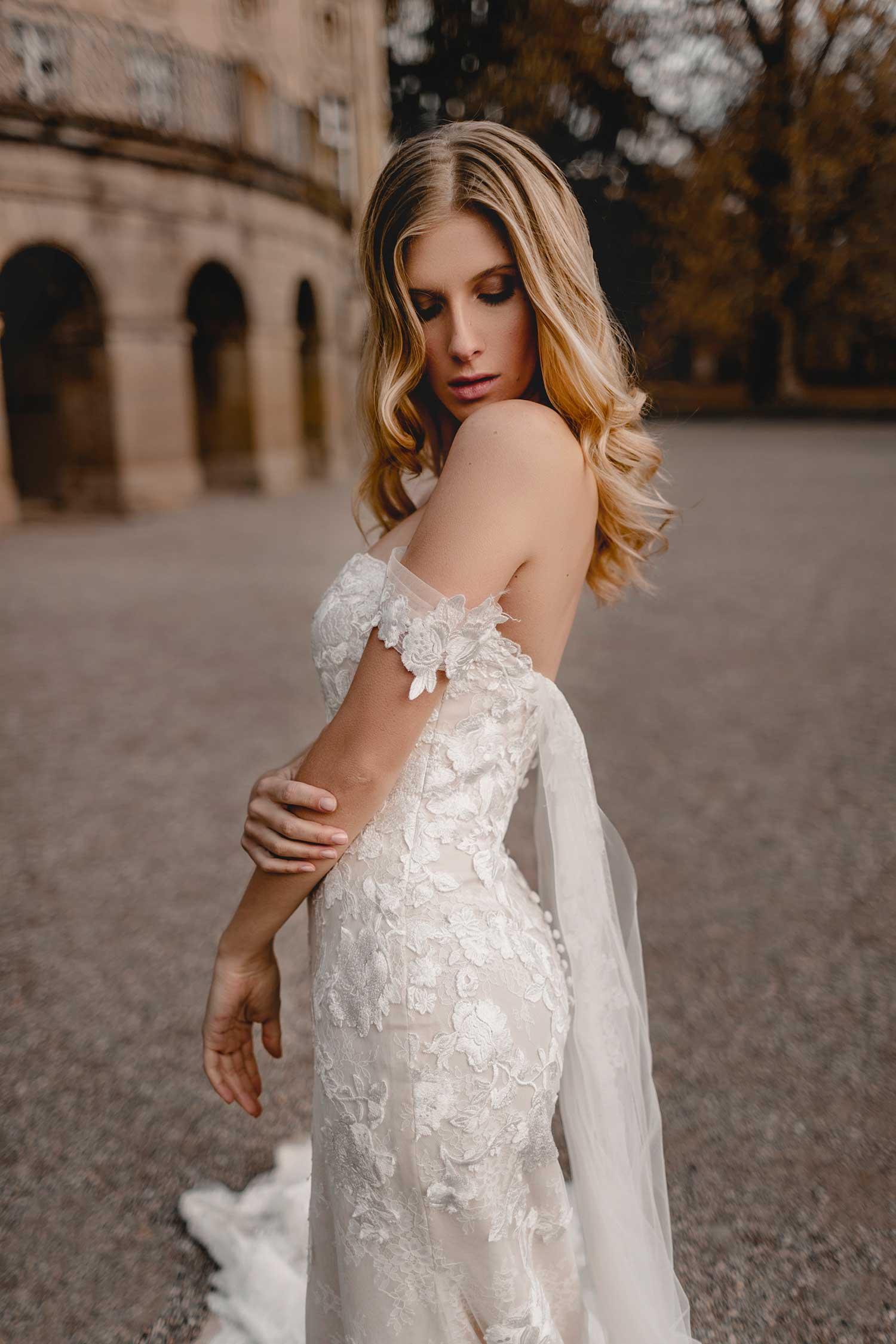 Blonde model posing in Monrepos Palace