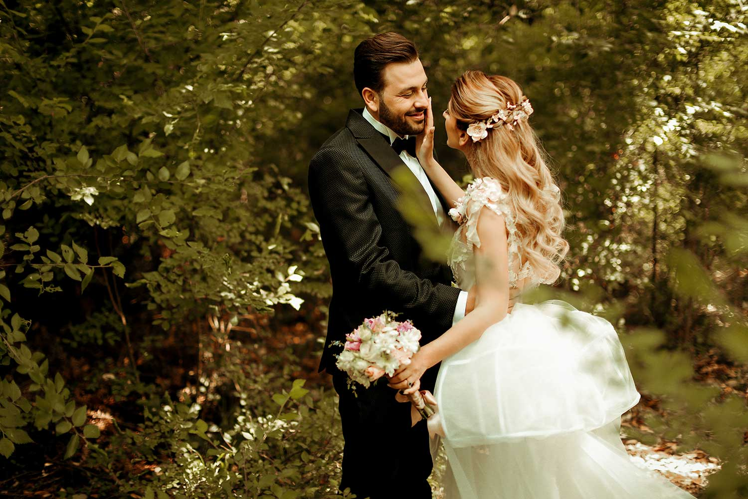 Capturing the love of the bride and groom