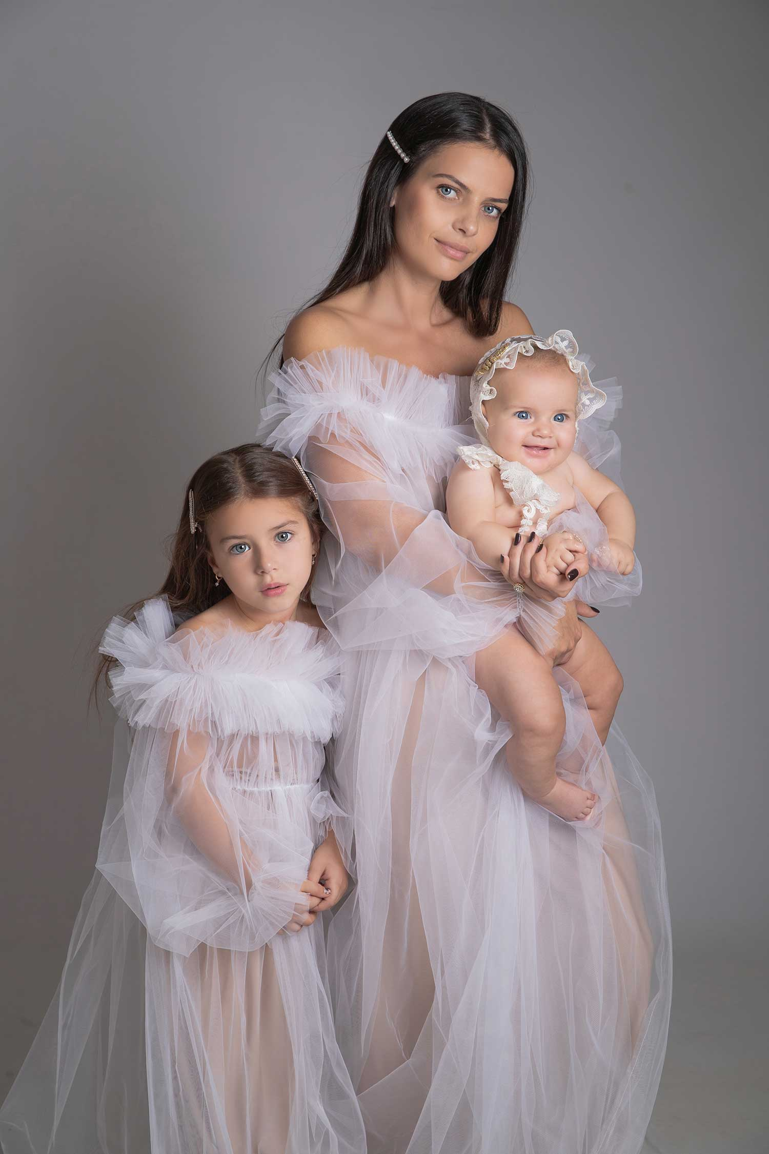 Perfect portraits of a mother and her daughters