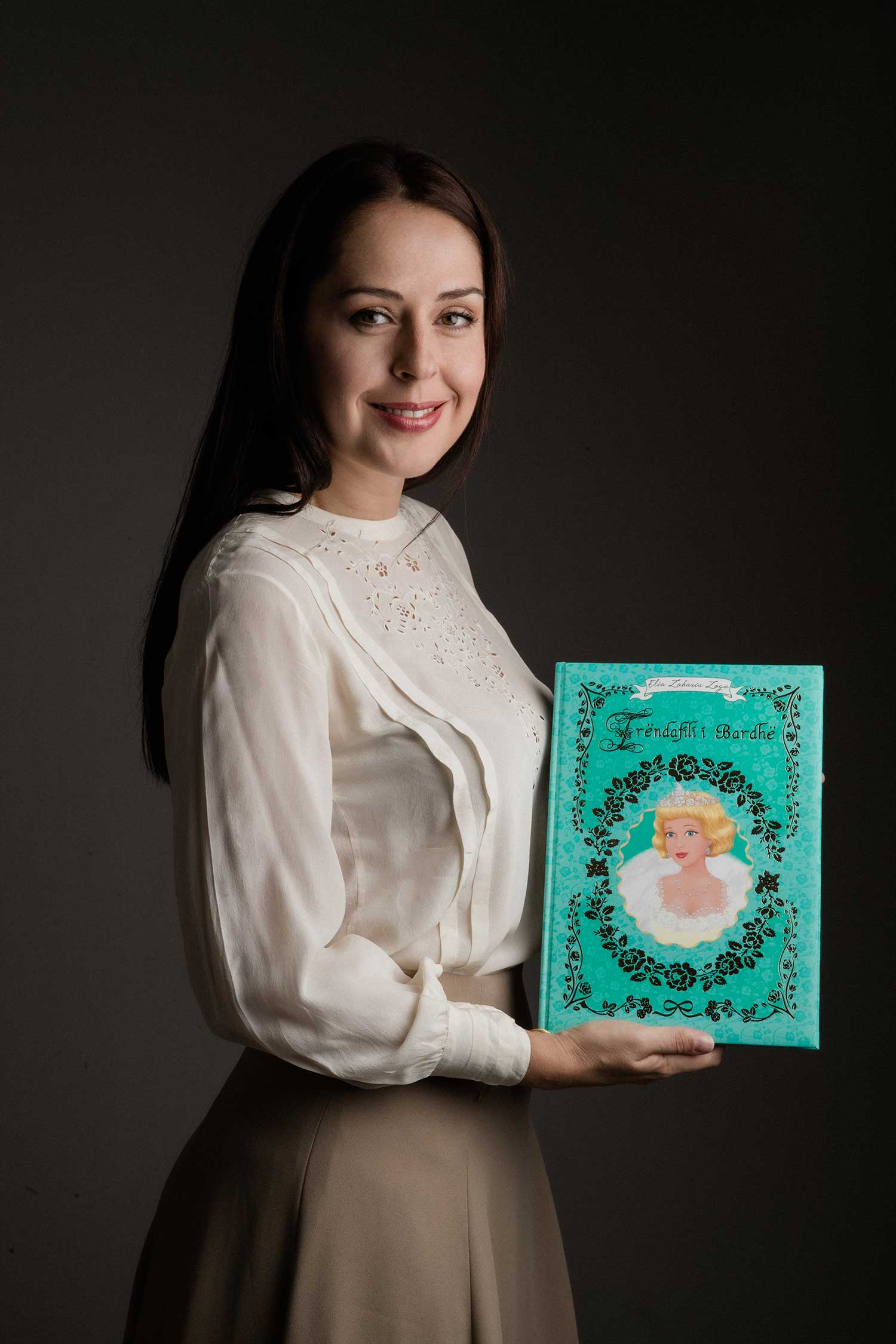 Portrait photography of Elia and her first book