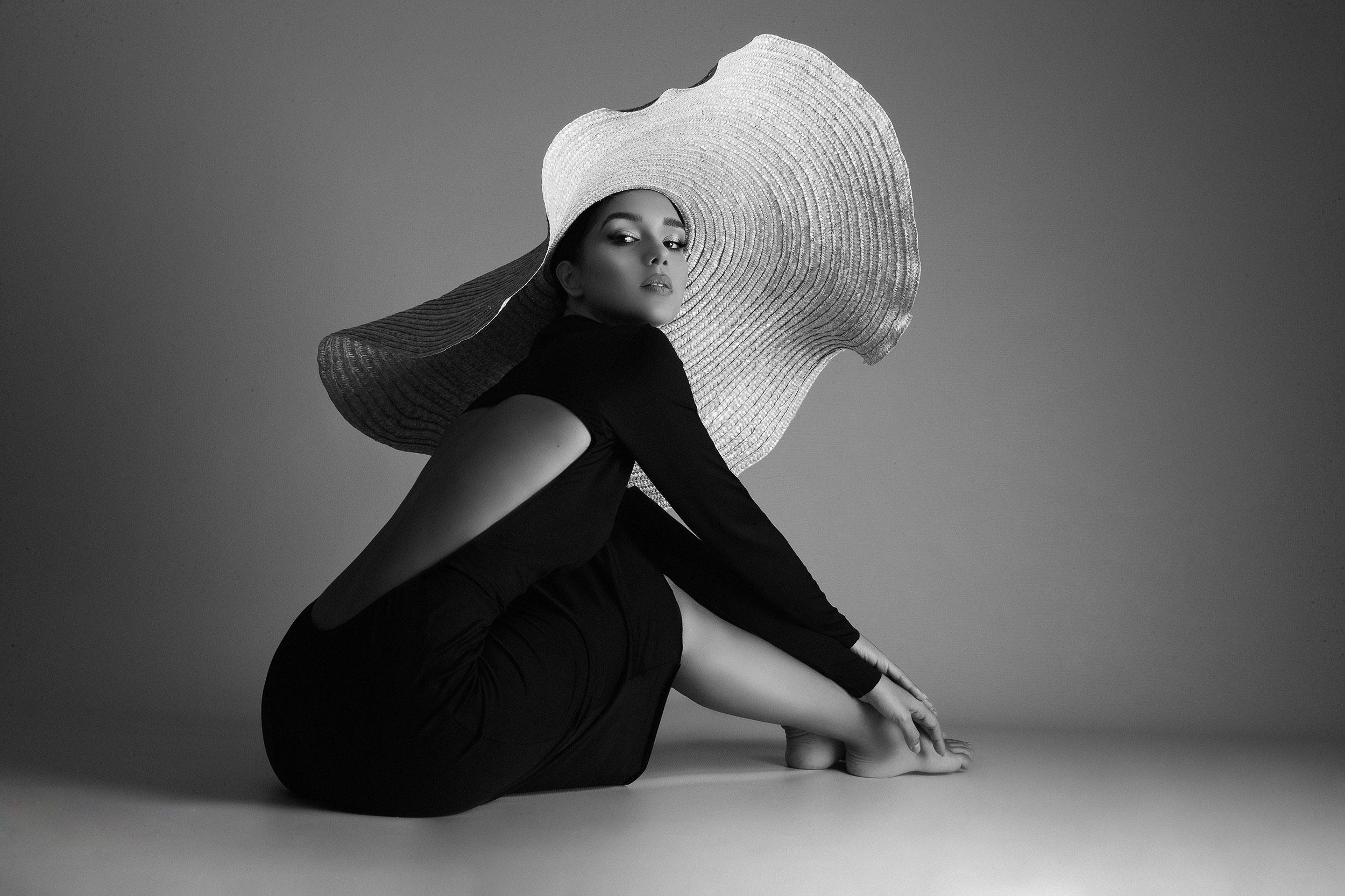 Black and white studio photos Nevina Shtylla