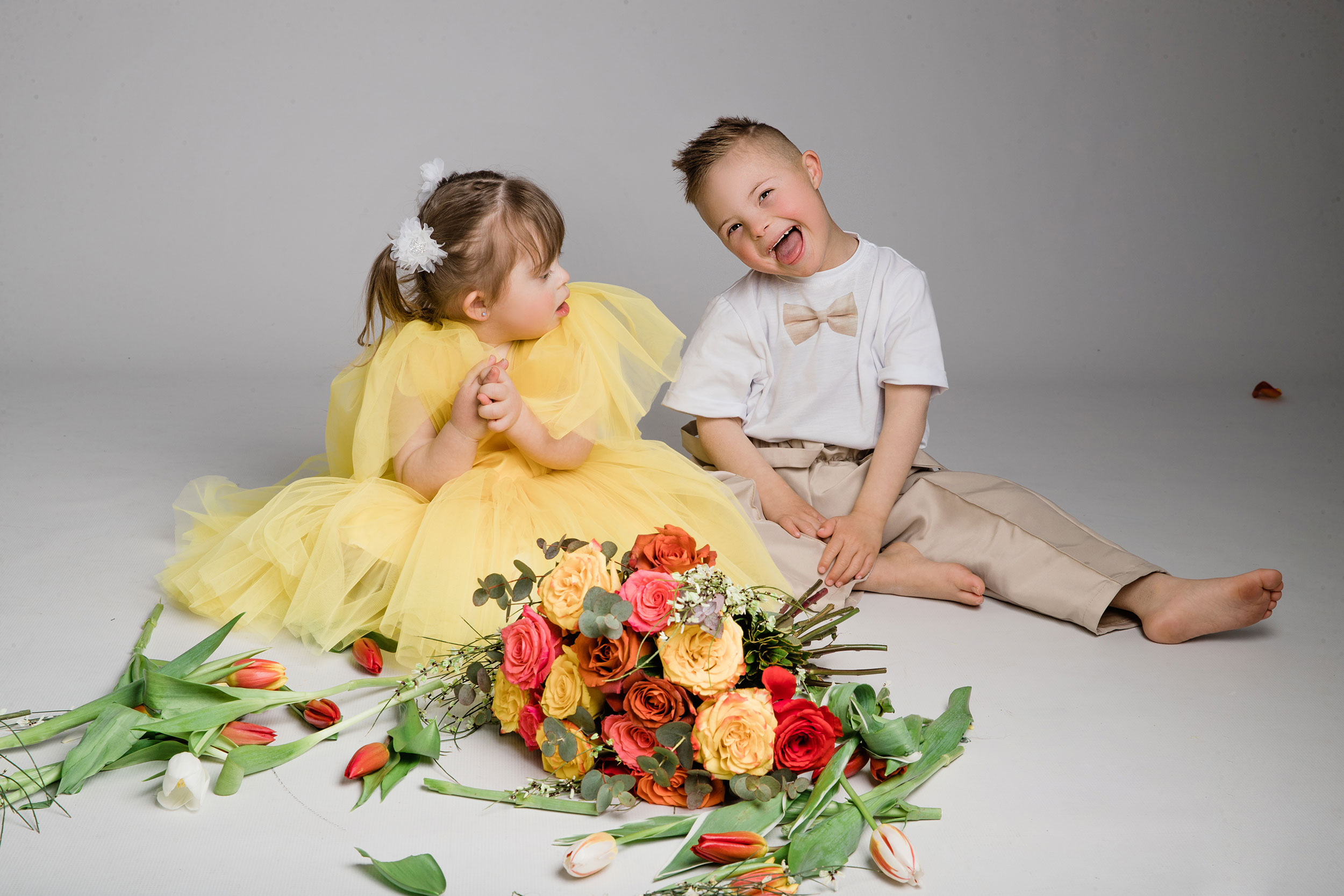Studio filled with flowers for a photoshoot with kids