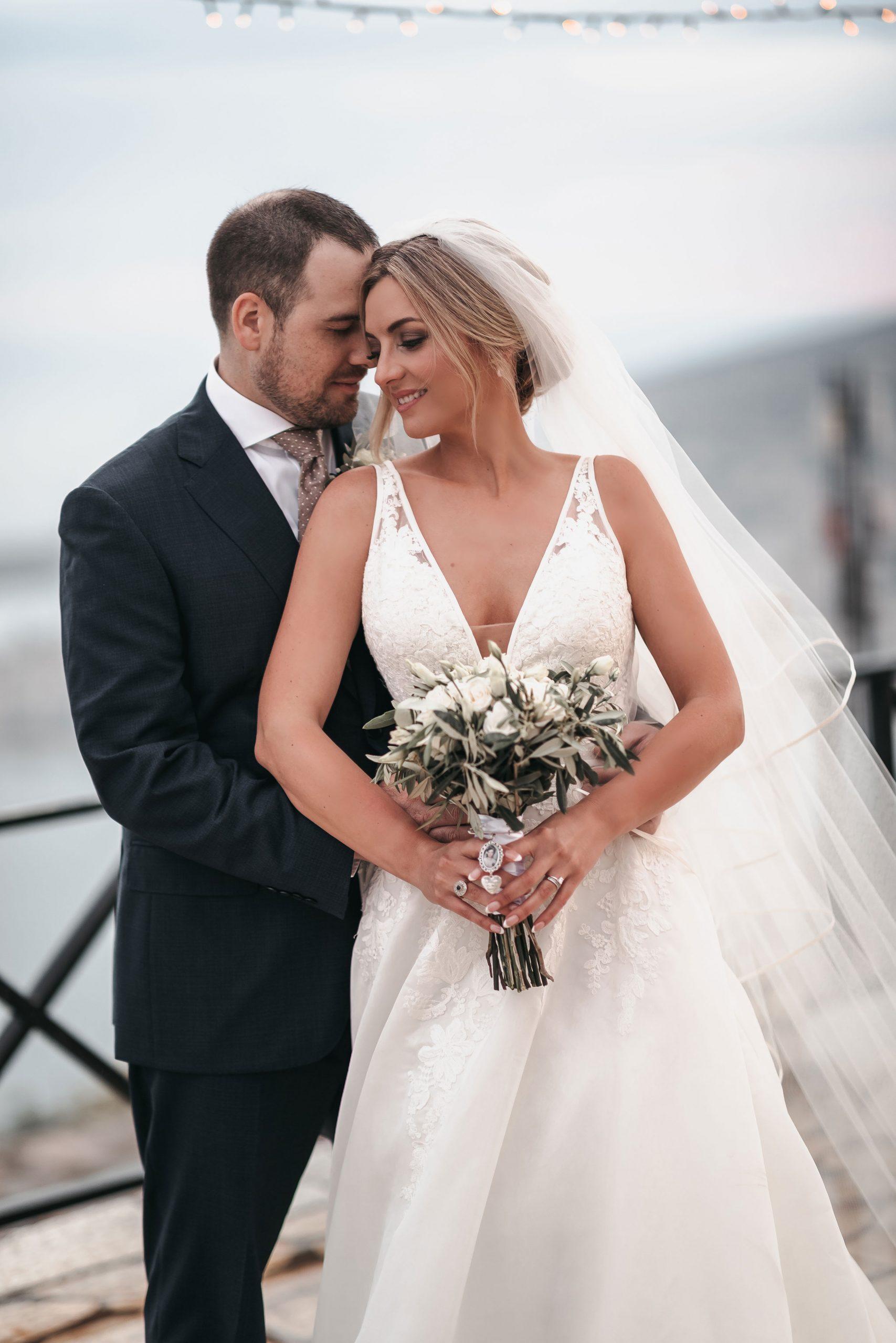 Bride and groom outdoor wedding photos