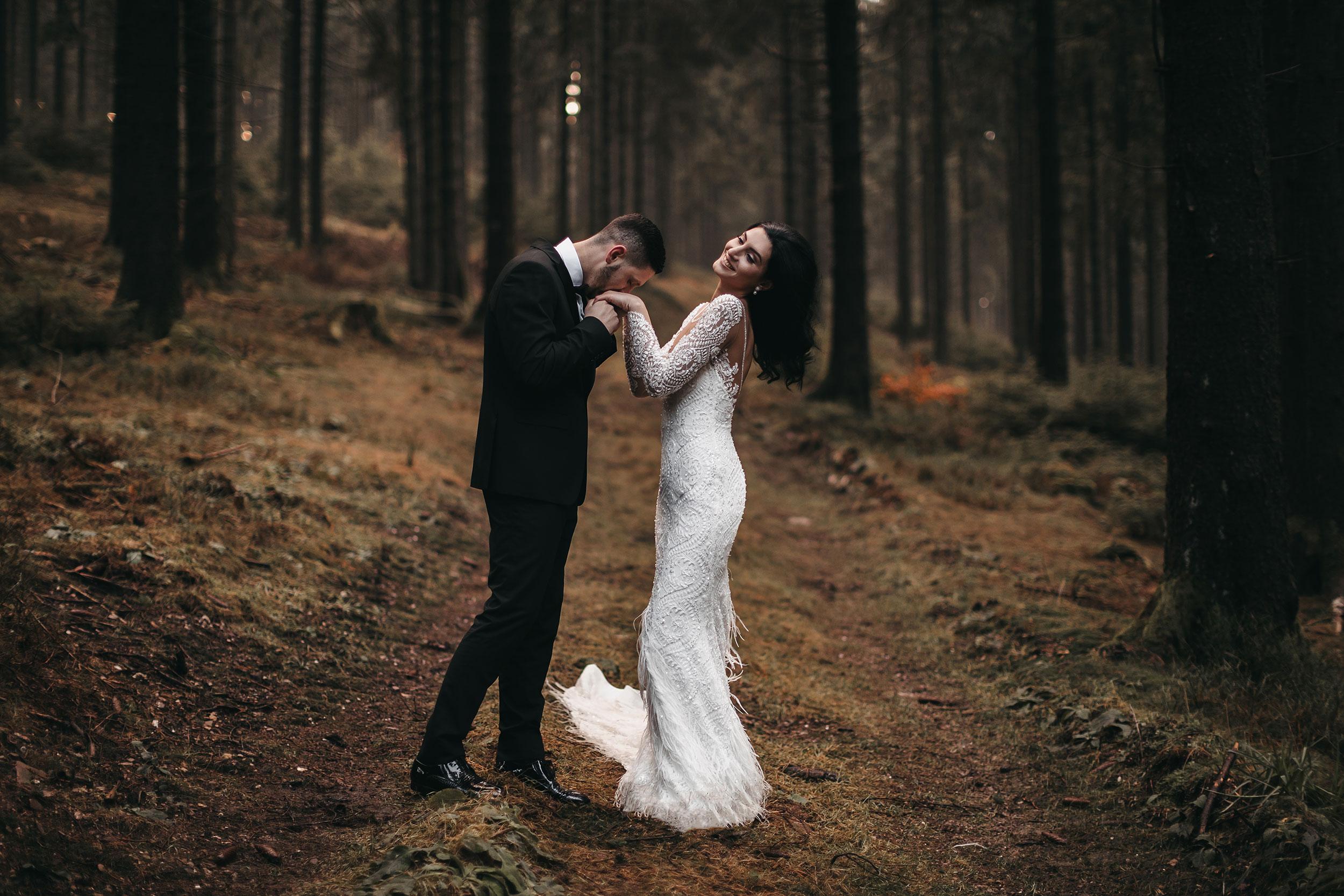 Outdoor wedding photography-Feathers wedding dress
