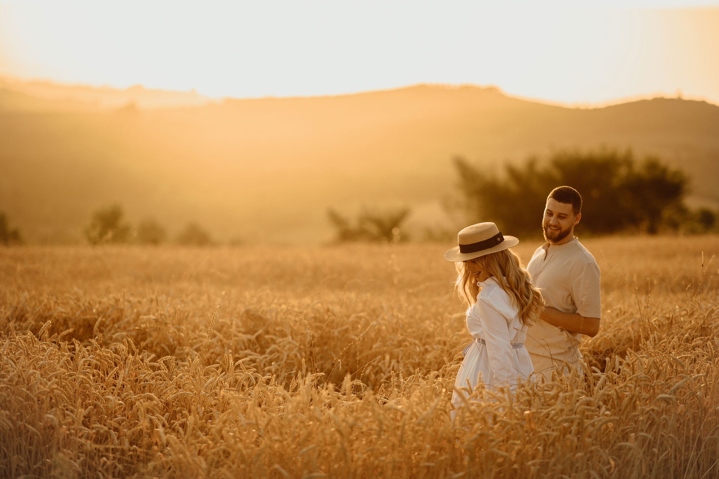 Couple's nature photoshoot during golden hour