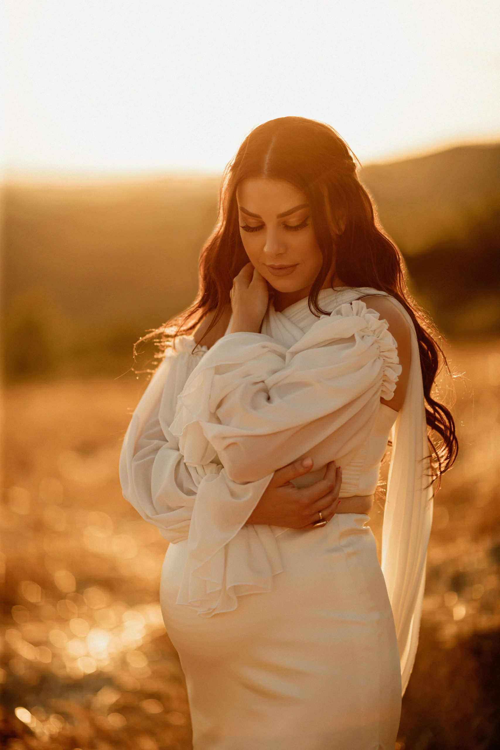Golden hour pregnancy photos